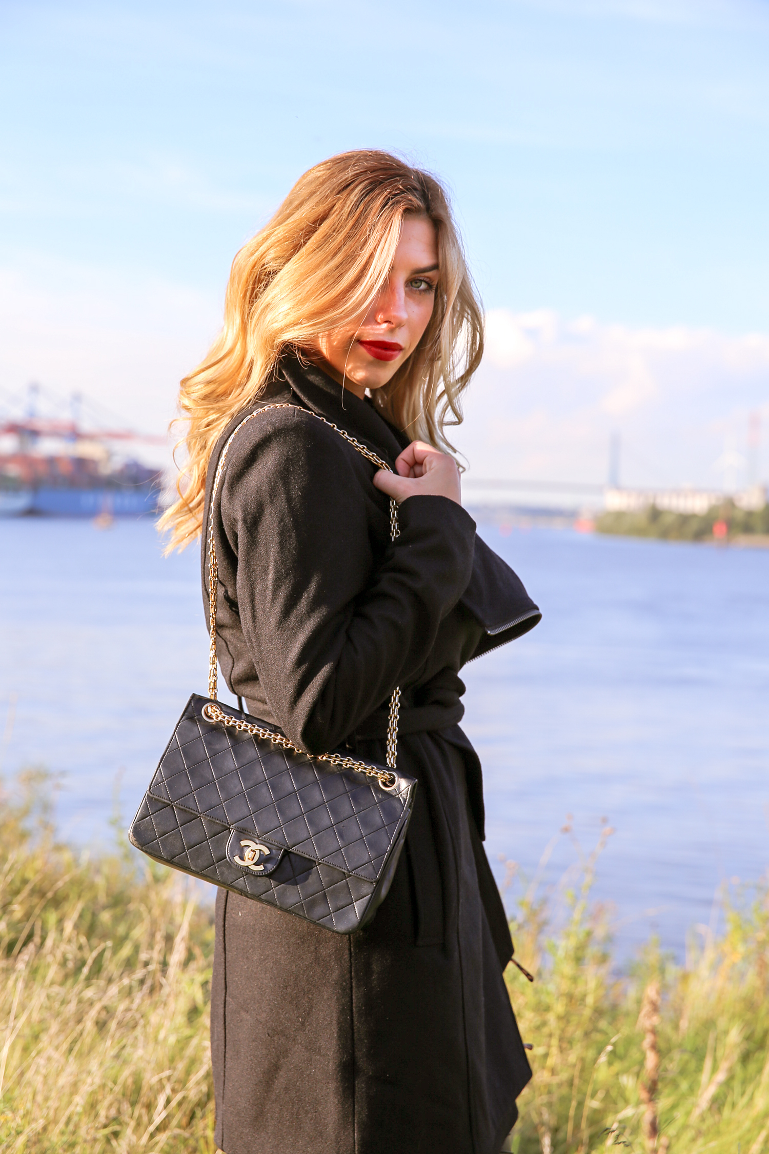 Luisa_Biggest_German_Fashion_Blogger_Chanel_Bag_Hamburg