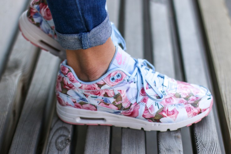 Nike Air Max mit Blumenmuster  Women s Nike City Collection c07e699525