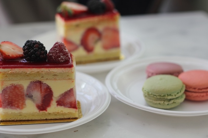 My Favorite Spots in New York City and Insiders' Tips cake and macarons