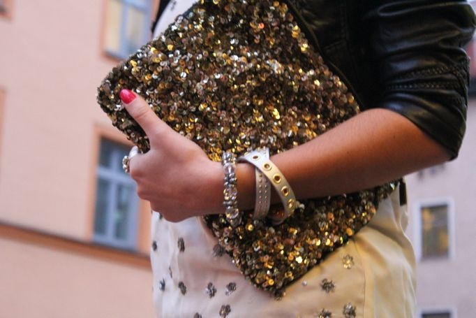 Outfit: It's raining golden glitter