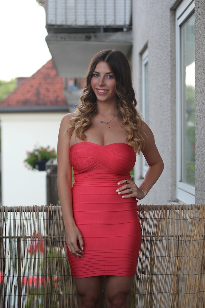 Rotes kleid party