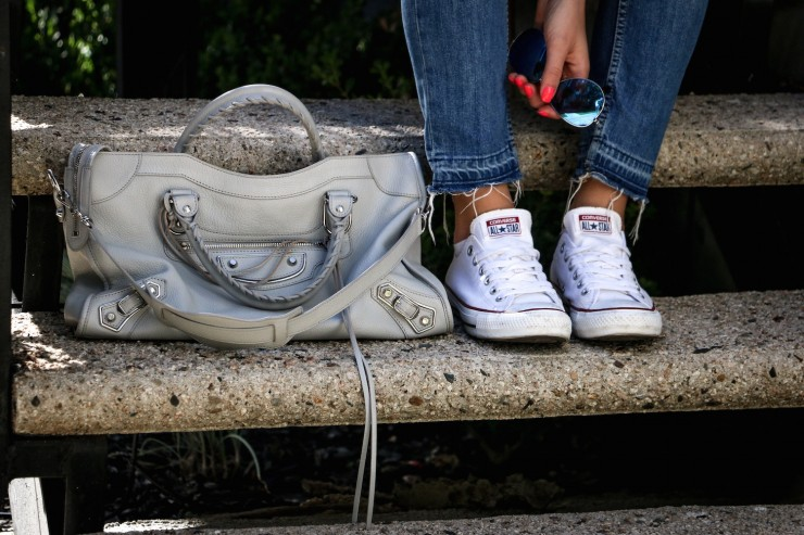 La outfit ripped jeans and graue balenciaga classic city - Graue converse ...